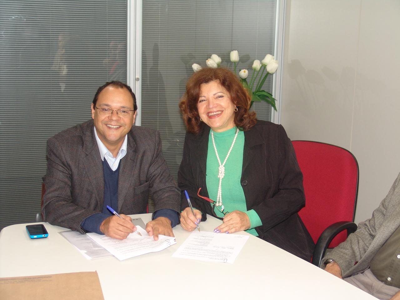 Assinatura de acordo com a SABESP
