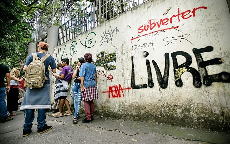 Justiça suspende projeto de reorganização escolar em SP; ocupações devem terminar
