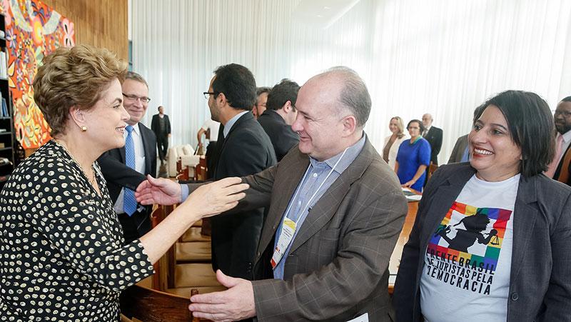 Juristas pela Democracia apoiam Dilma em Brasília