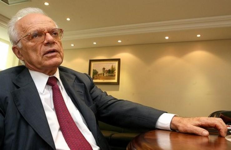Fabio Comparato, Dalmo Dallari e juristas estrangeiros lançam manifesto com críticas ao rito do impeachment