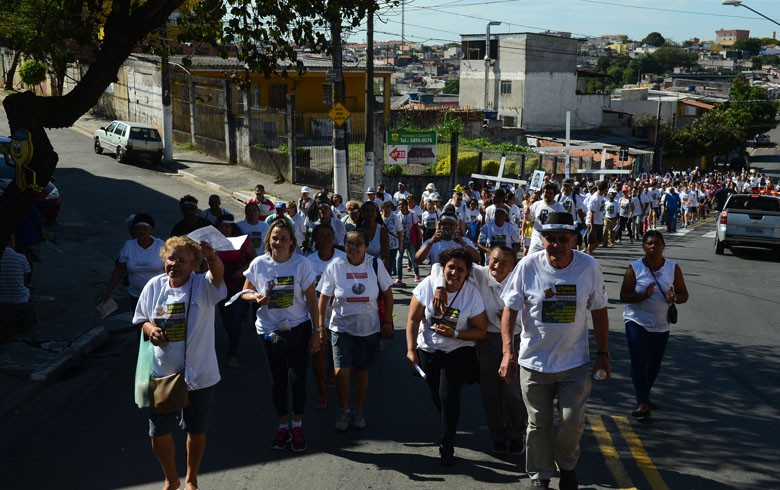 Caminhada pela Vida pede fim do genocídio de jovens negros em São Paulo