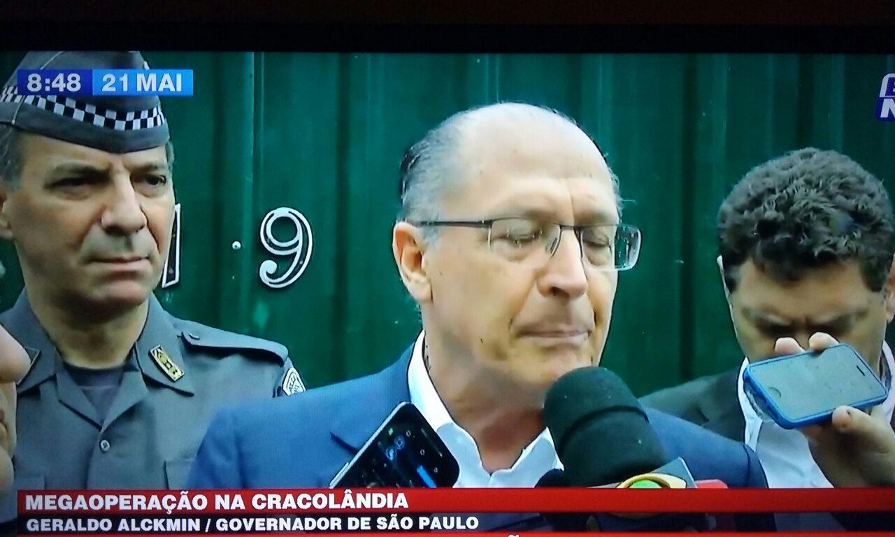 ALCKMIN E 1.500 POLICIAIS INVADEM A CRACOLÂNDIA
