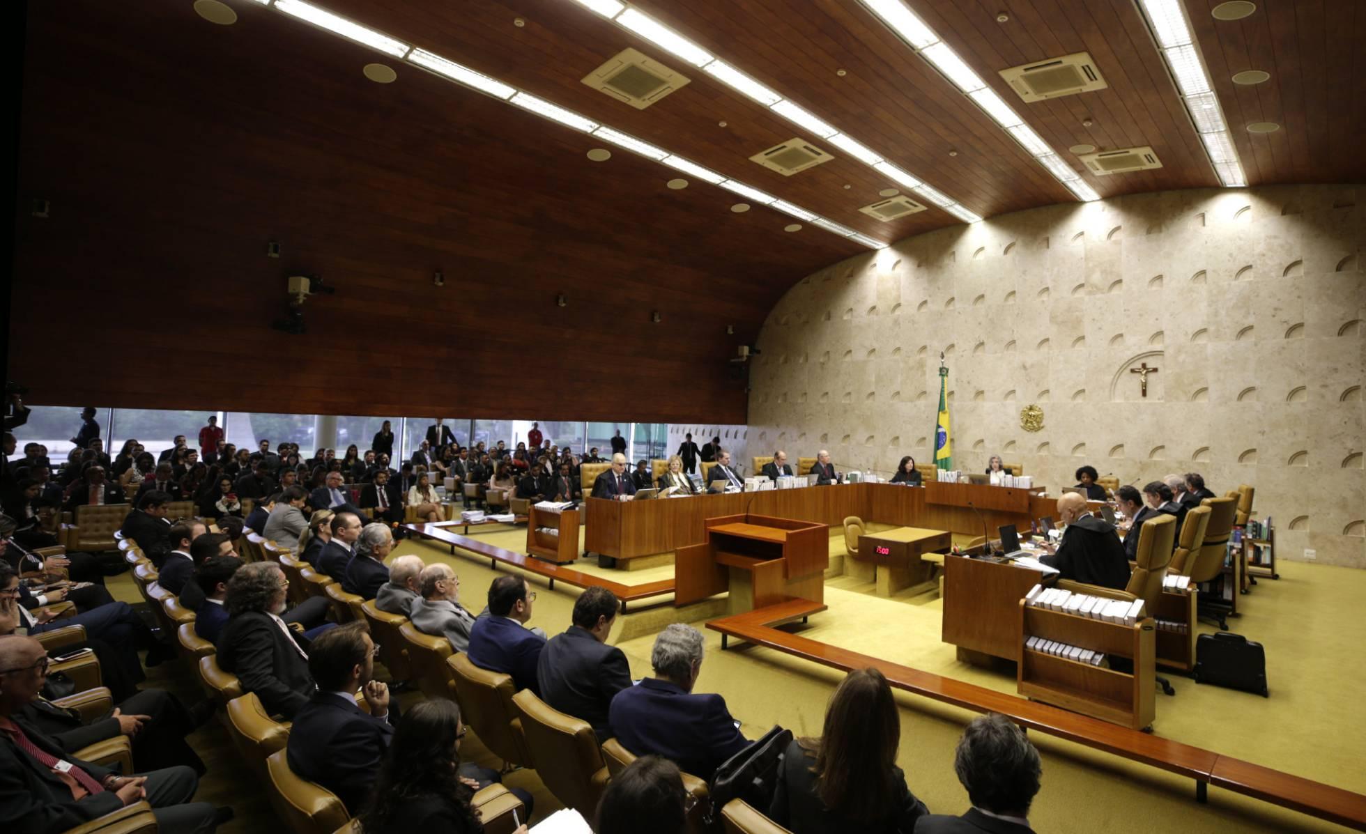 Supremo congela situação de Lula: ele não poderá ser preso até dia 4 de abril
