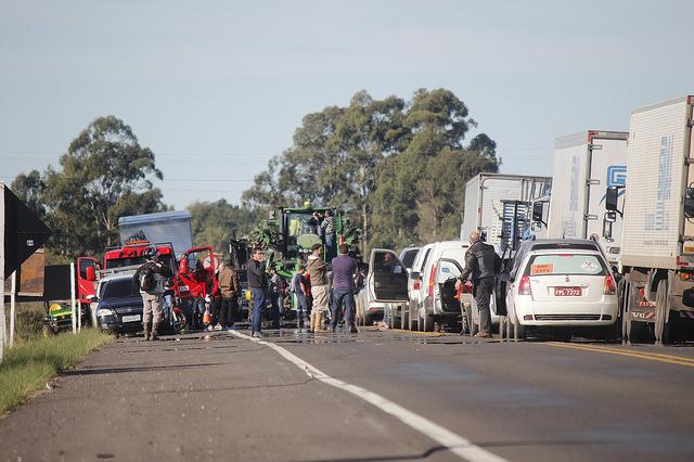 Sem moral, governo não consegue desmobilizar greve