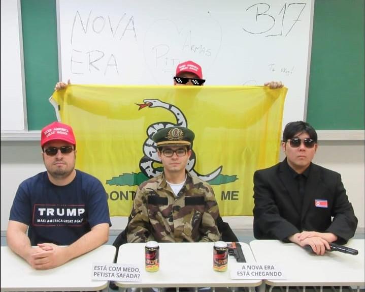 """Estudantes da FEA-USP entram armados na faculdade e anunciam a chegada da """"nova era"""""""