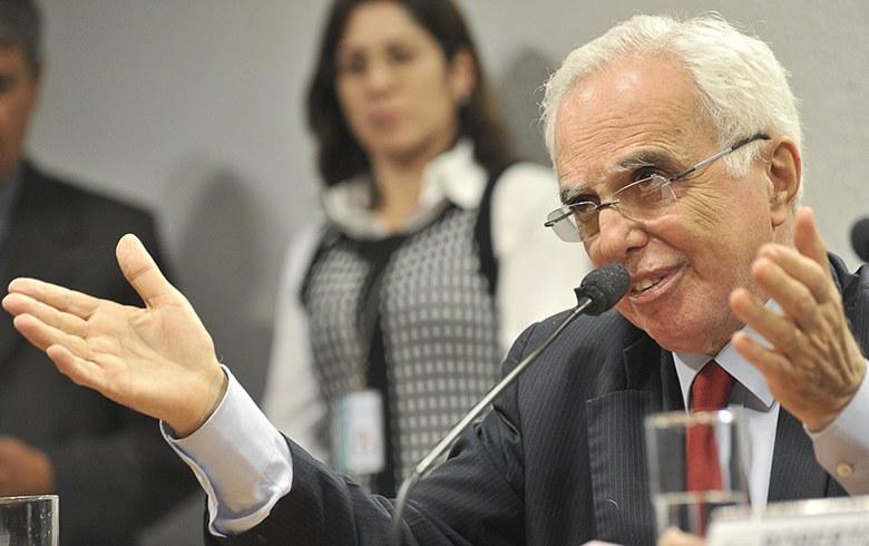 Samuel Pinheiro Guimarães: 'A forma como Lula está sendo tratado é medieval'