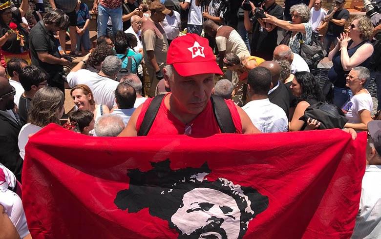 Ação da Justiça para usurpar direitos de Lula repercute na imprensa internacional